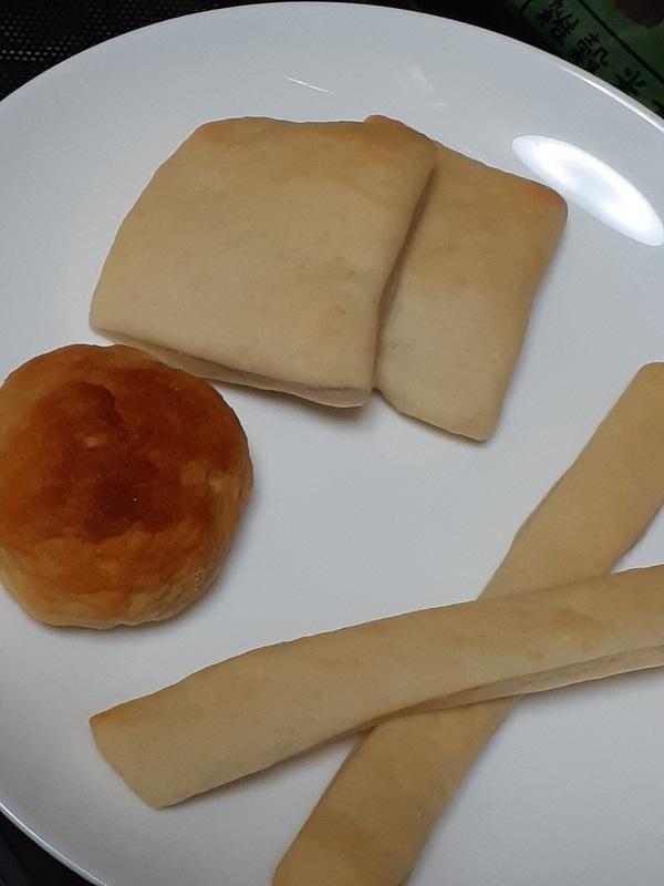 今度は米パンを用意してみました(笑